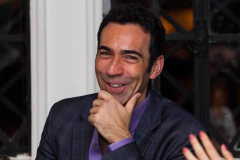 SAO PAULO, SP, 30.06.2014:  Cesar Tralli   -   Jantar de aniversario do apresentador Otavio Mesquita. (Foto: Bruno Poletti/Folhapress, Mônica Bergamo) ***EXCLUSIVO FOLHA***