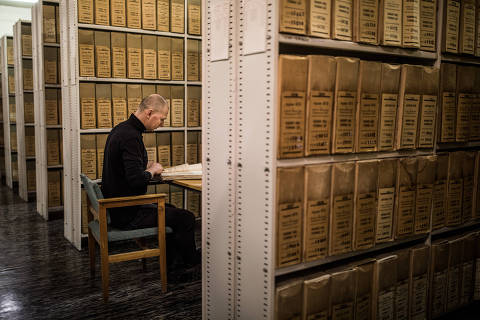 Inside the storage room for the KGB archive, in Riga, Latvia, Jan. 7, 2019. Is the newly released Soviet-era archive a real record of collaboration or a time bomb planted by agents as the Soviet Union collapsed in 1991? (Akos Stiller/The New York Times) ORG XMIT: XNYT115 DIREITOS RESERVADOS. NÃO PUBLICAR SEM AUTORIZAÇÃO DO DETENTOR DOS DIREITOS AUTORAIS E DE IMAGEM