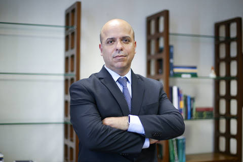 BRASILIA, DF,  BRASIL,  17-01-2019, 12h00: O secretário especial de Produtividade, Emprego e Competitividade Carlos da Costa posa para foto em seu gabinete, na Esplanada dos Ministérios. (Foto: Pedro Ladeira/Folhapress, PODER) ***EXCLUSIVO*** ***ESPECIAL***