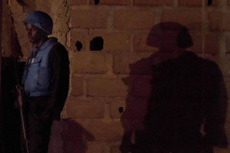 soldado de capacete azul