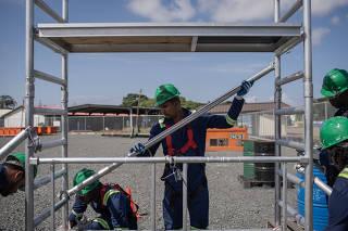 Operários são treinados para o mercado petroleiro em Georgetown
