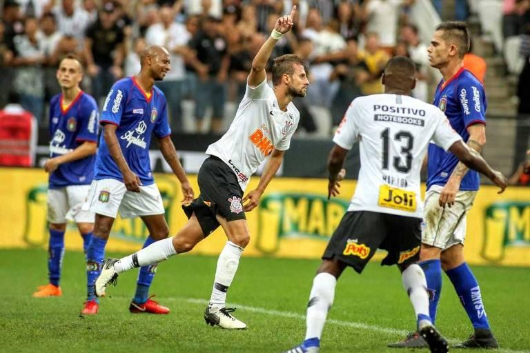 BMG é o patrocinador do Corinthians atualmente