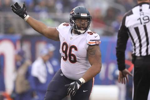 EAST RUTHERFORD, NEW JERSEY - DECEMBER 02: Akiem Hicks #96 of the Chicago Bears celebrates a second quarter sack against the New York Giants at MetLife Stadium on December 02, 2018 in East Rutherford, New Jersey.   Elsa/Getty Images/AFP == FOR NEWSPAPERS, INTERNET, TELCOS & TELEVISION USE ONLY ==