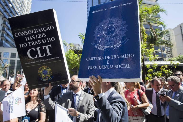 Protesto em defesa da Justiça do Trabalho