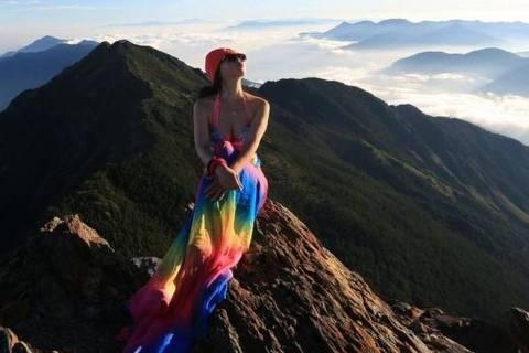 Gigi Wu era considerada uma alpinista experiente e atraiu milhares de seguidores com fotos de biquíni em topos de montanhas