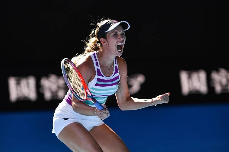 A americana Danielle Collins comemora ponto nas quartas de final do Aberto da Austrália