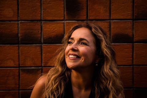 SÃO PAULO, SP, 16.07.2015, 17H03: DANIELA MERCURY - Retrato da cantora baiana Daniela Mercury, em São Paulo. (Foto: Eduardo Anizelli/Folhapress)