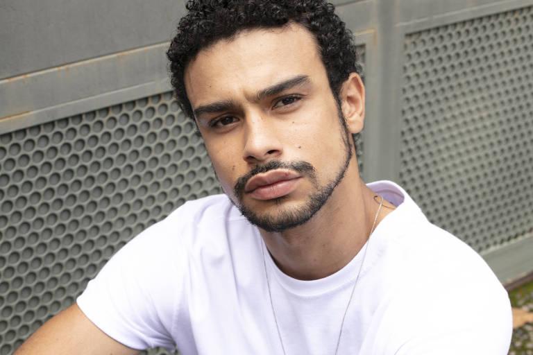 O ator Sergio Malheiros, 25, relata sofrer racismo