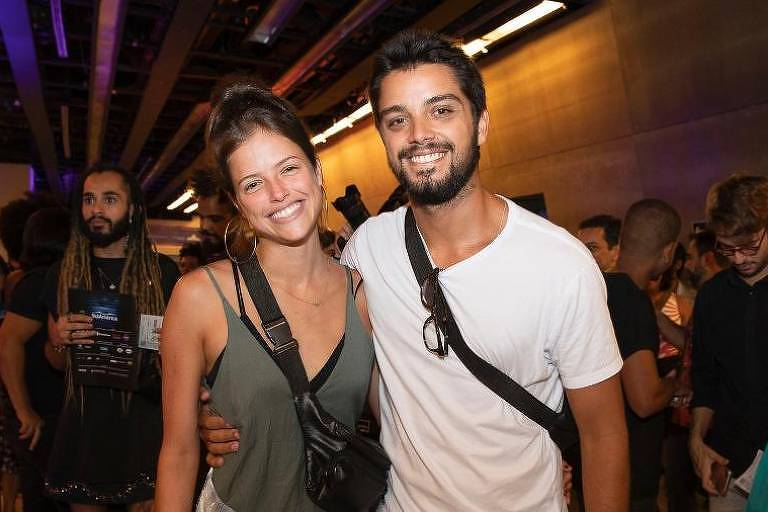 "Agatha Moreira e Rodrigo Simas na estréia VIP do musical ""Meu Destino é Ser Star"""