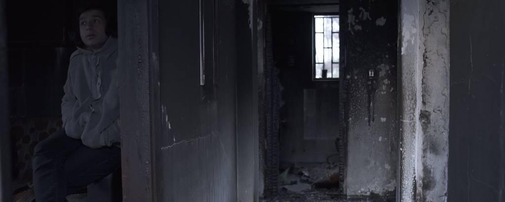 Casa queimadas por incêndio ocorrido em julho passado em Mati, balneário próximo a Atenas