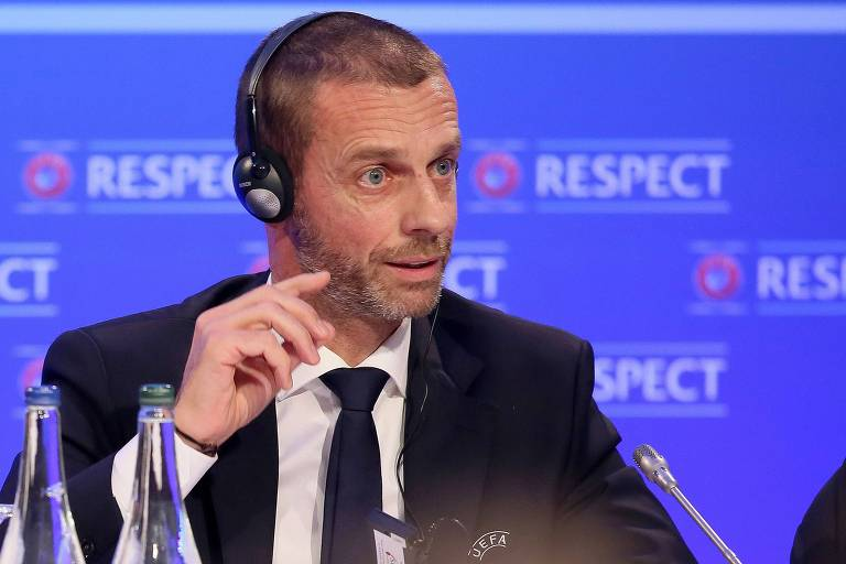 O presidente da Uefa, Aleksander Ceferin, participa de coletiva de imprensa após reunião do Comitê Executivo da entidade