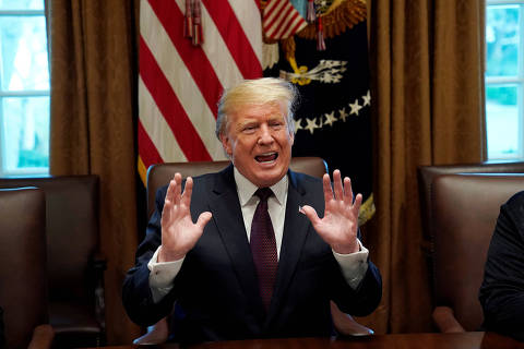 U.S. President Donald Trump participates in a discussion on immigration proposals with conservative leaders in the Cabinet Room of the White House in Washington, U.S., January 23, 2019. REUTERS/Kevin Lamarque ORG XMIT: WAS469