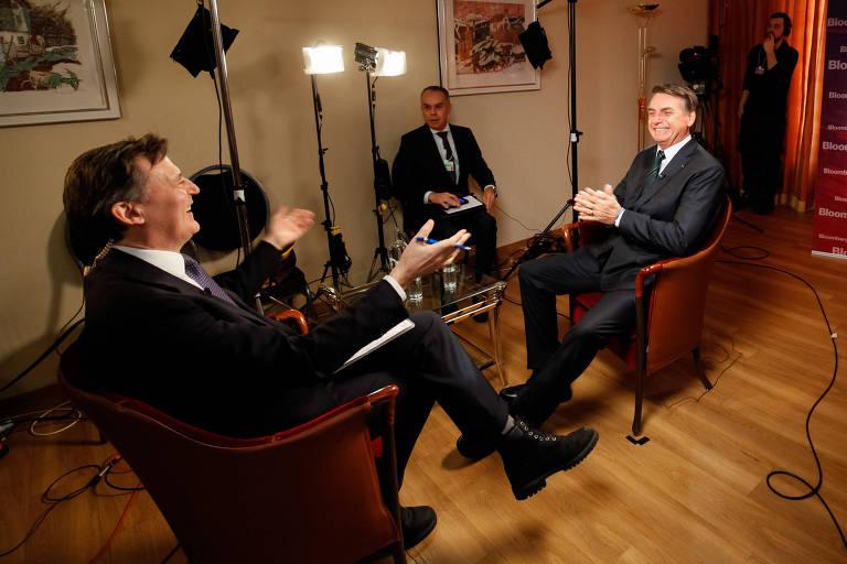 O presidente Jair Bolsonaro durante entrevista para a agência Bloomberg, em Davos (Suíça)