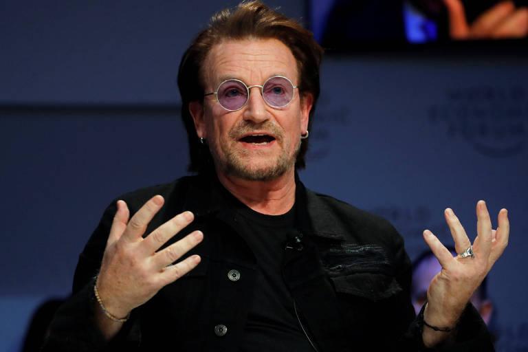 Bono, do U2, em evento em Davos, na Suíça