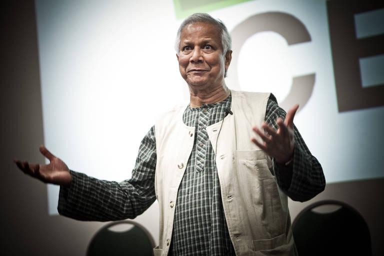 O vencedor do Prêmio Nobel da Paz em 2006 Muhammad Yunus, que inventou o microcrédito em Bangladesh