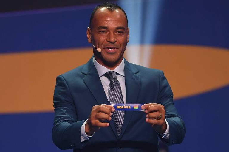 O ex-jogador Cafu mostra Bolívia como adversária do Brasil no Grupo A