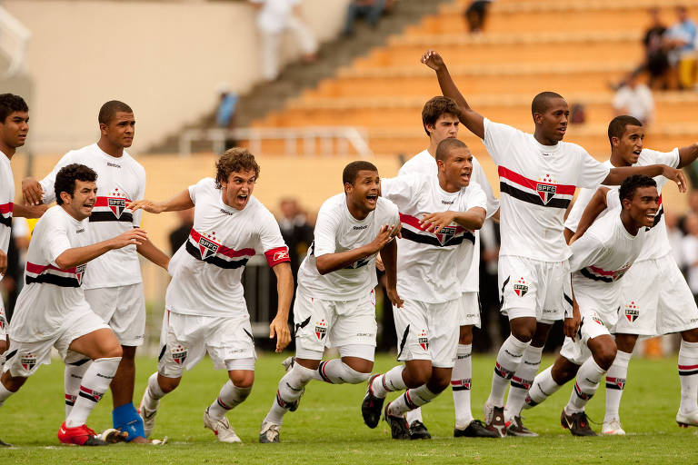 Jogadores do São Paulo comemoram o título da Copinha de 2010, o último do clube