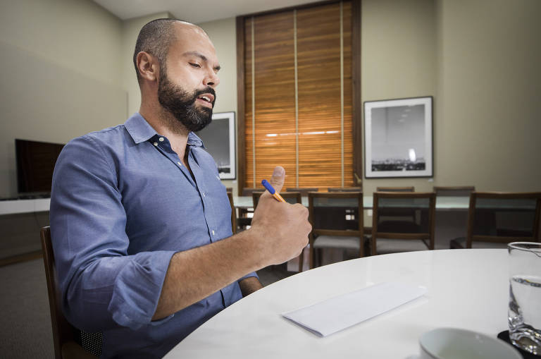 Entrevista do prefeito Bruno Covas à Folha