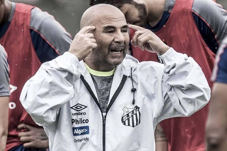 Jorge Sampaoli durante treino do Santos no centro de Treinamento Rei Pelé