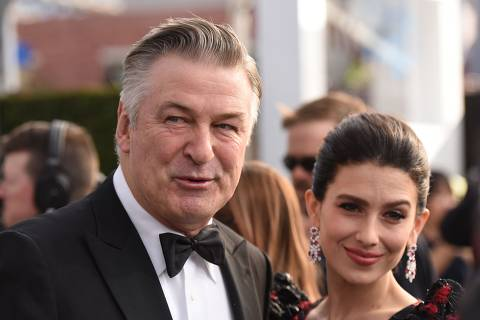 Actor Alec Baldwin (L) and wife Hilaria Baldwin walk the red carpet at the 25th Annual Screen Actors Guild Awards at the Shrine Auditorium in Los Angeles on January 27, 2019. (Photo by Robyn Beck / AFP)