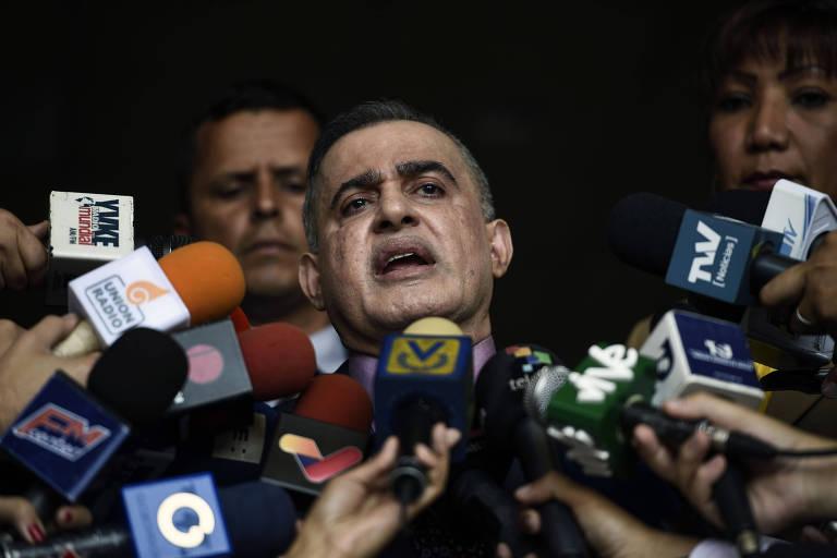 O procurador-geral da Venezuela, Tarek William Saab, faz pronunciamento nesta terça