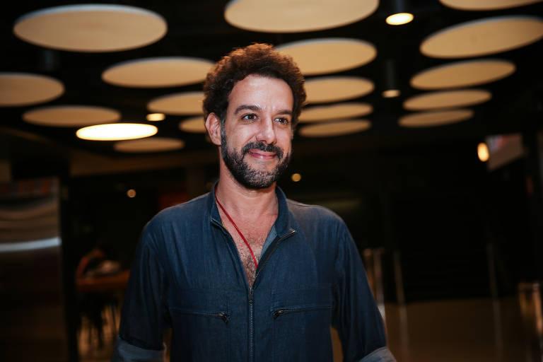 """Pré-estreia e Debate Folha do filme """"Fevereiros"""""""