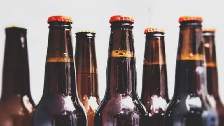 Alguns especialistas alertam que a cerveja, principalmente bebida em excesso, pode aumentar a chance de infecção pelos vírus da dengue, zika, chikungunya e malária