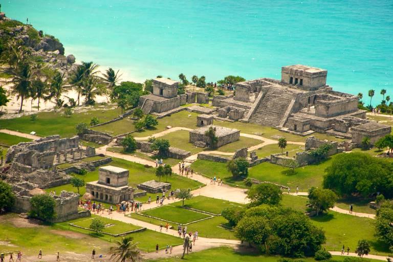 Sítios arqueológicos na Riviera Maia