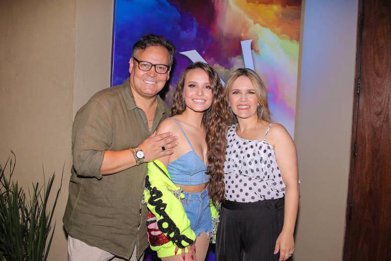 52d6a29a09929 Larissa Manoela comemora 18 anos - 23 04 2019 - - Fotografia - Folha de S. Paulo