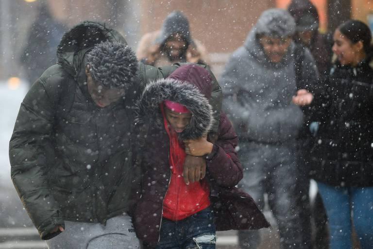 Frio extremo nos EUA deixa ao menos 21 mortos; mínima em Chicago pode bater recorde