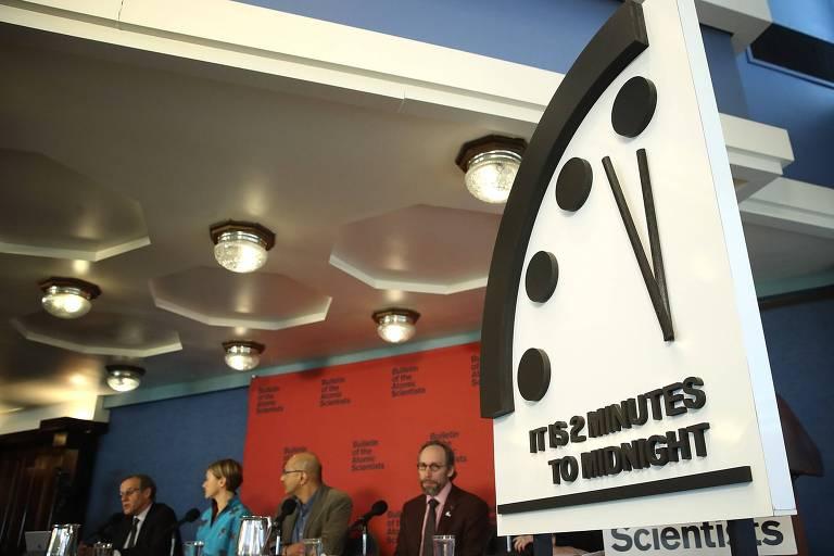 Evento de divulgação da posição do Relógio do Juízo Final neste ano, a dois minutos da meia-noite