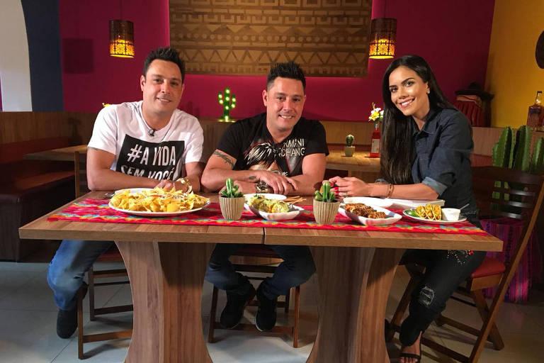 Vavá e Marcio, ex-integrantes do Karametade, entrevistados por Daniela Albuquerque
