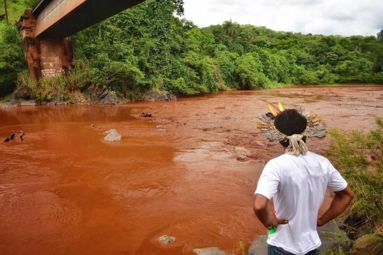 Indígena Pataxó Hã-hã-hãe da aldeia Naõ Xohã, às margens do rio Paraopeba