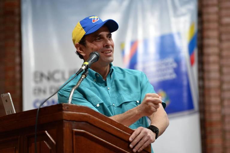 O líder opositor venezuelano Henrique Capriles durante evento em Caracas em 2017 em defesa da democracia no país