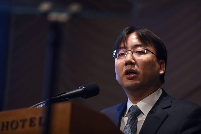 O presidente da Nintendo, Shuntaro Furukawa, apresenta os resultados financeiros da empresa