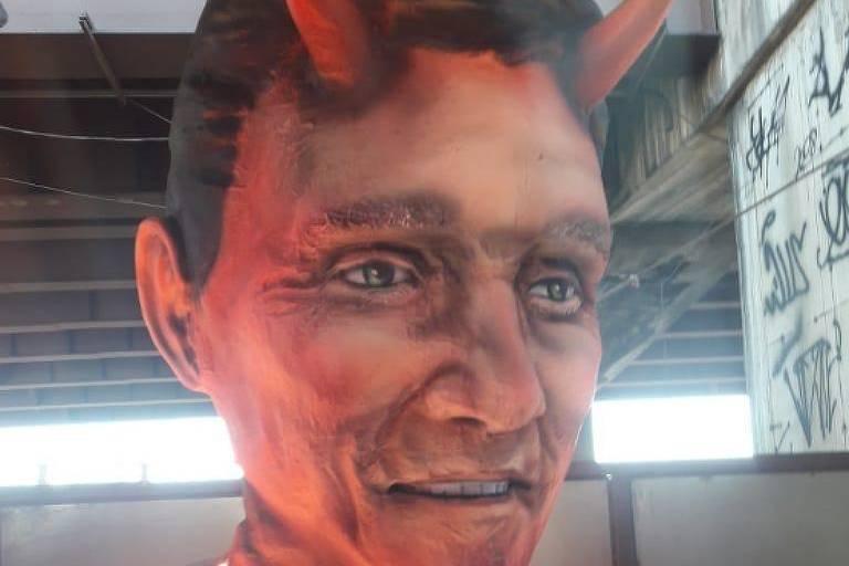 Escultura de diabo de escola de samba provoca polêmica na internet por suposta alusão a Crivella