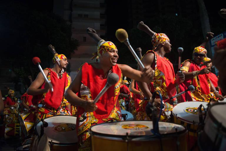 Desfile do Ilê Aiyê, bloco afro mais antigo do Brasil, no Carnaval de Salvador