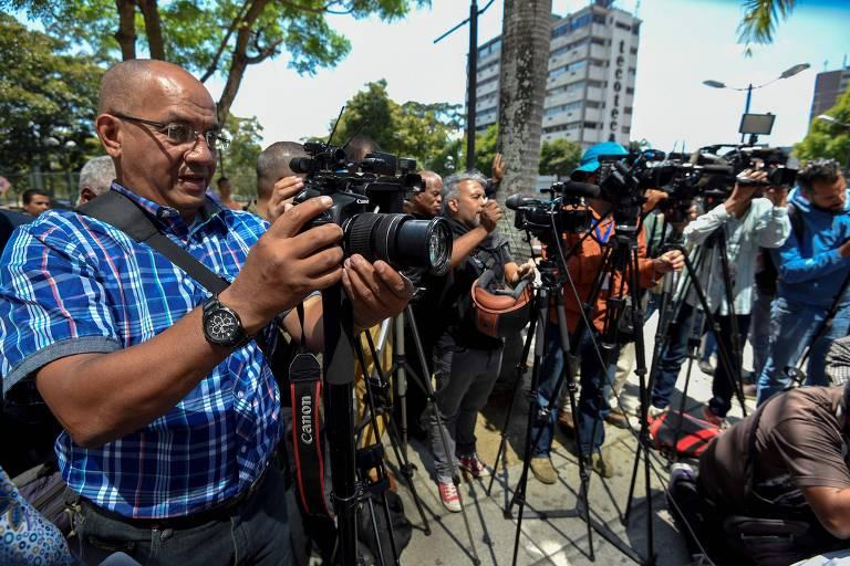 jornalistas e fotógrafos
