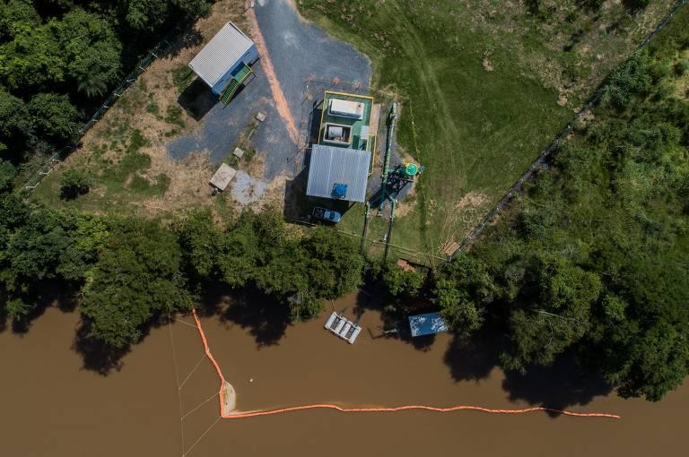 Sistema de membranas para impedir rejeitos no rio Paraopeba