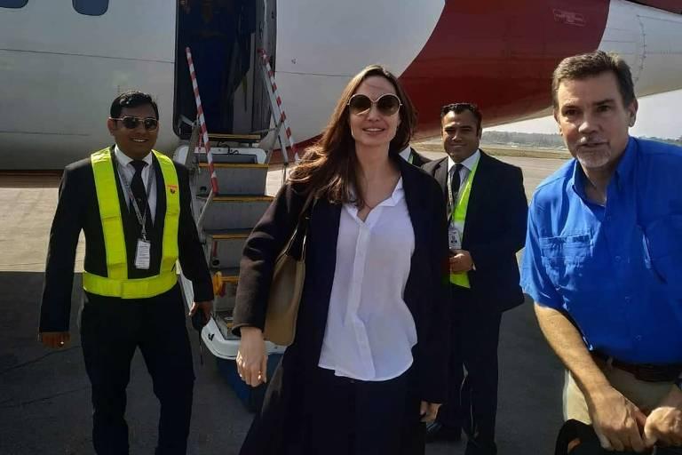 Angelina Jolie vista campos de refugiados