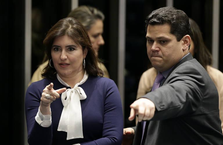Simone Tebet (MDB-MS), ao lado do presidente do Senado, Davi Alcolumbre (DEM-AP). Emedebista deve comandar a CCJ, uma das mais importante da Casa
