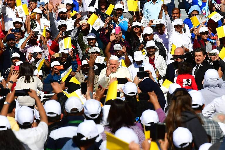 Papa Francisco celebra missa em Abu Dhabi