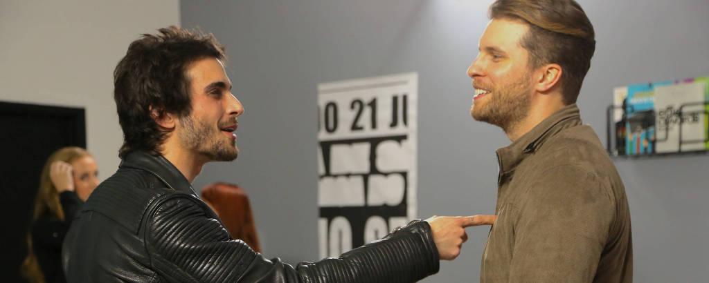 Júlio (Thiago Fragoso) e Raul (Fiuk) em cena do filme