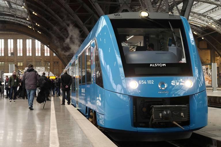 Trem da Alstom em estação em Leipzig, na Alemanha