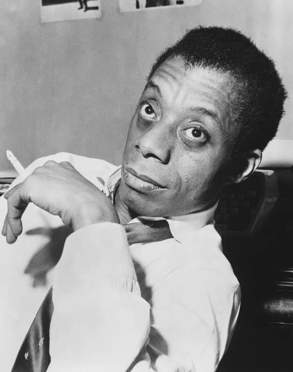 O escritor James Baldwin