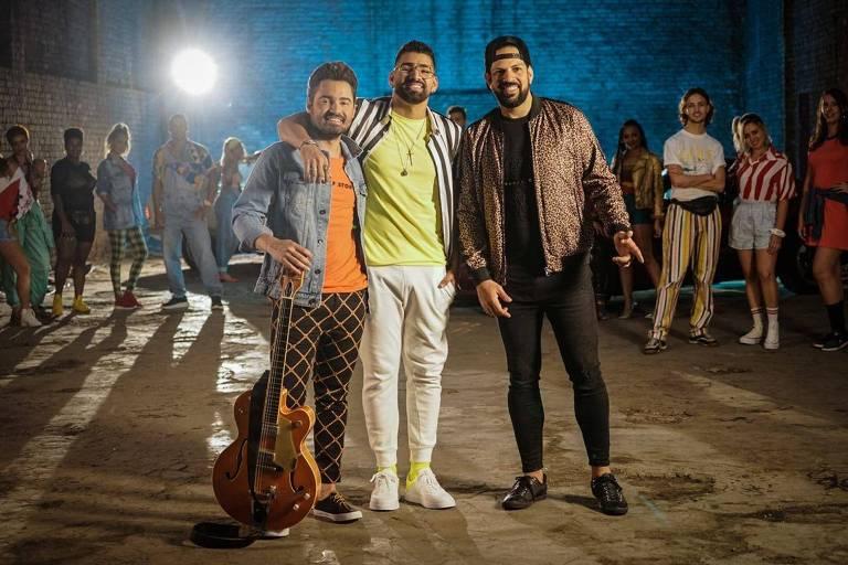 Fernando e Sorocaba gravam clipe com Dilsinho