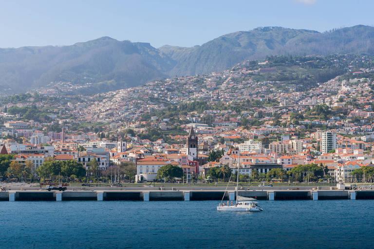 Em viagem de férias, meu pai descobriu três meios-irmãos na Ilha da Madeira