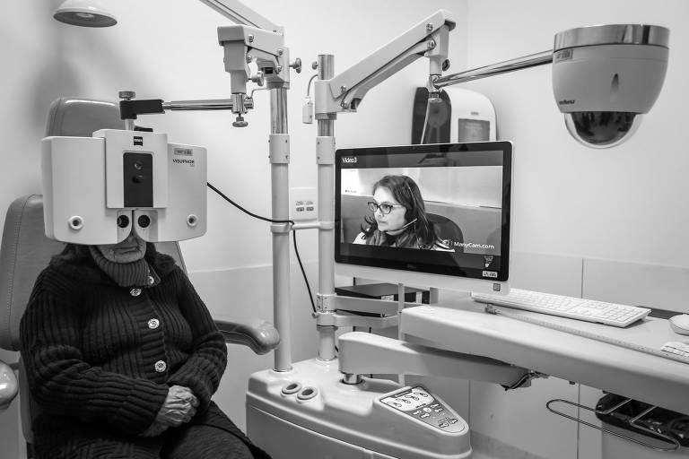 Consulta oftalmológica em programa de medicina a distância em clínica em Porto Alegre (RS)