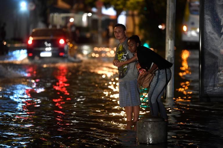 Chuva cria caos no Rio