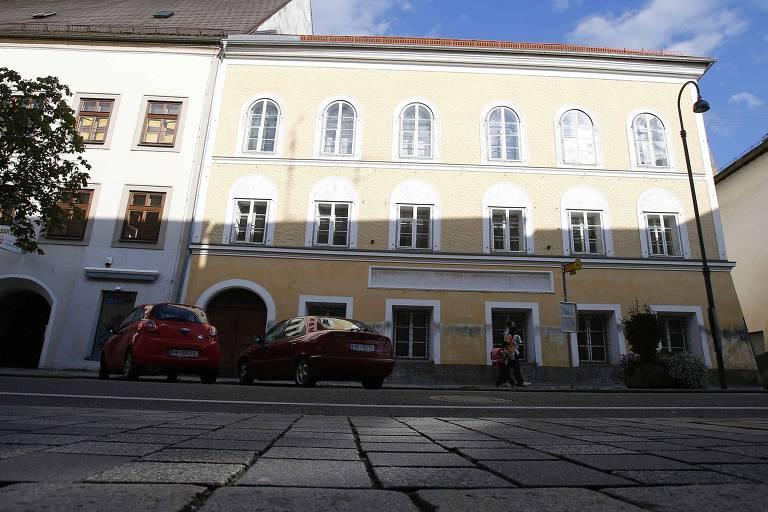 Áustria é condenada a pagar milhões por casa onde nasceu Adolf Hitler